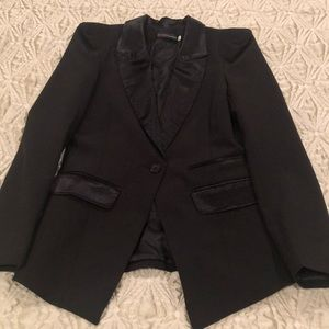 Tuexdo Blazer in Black